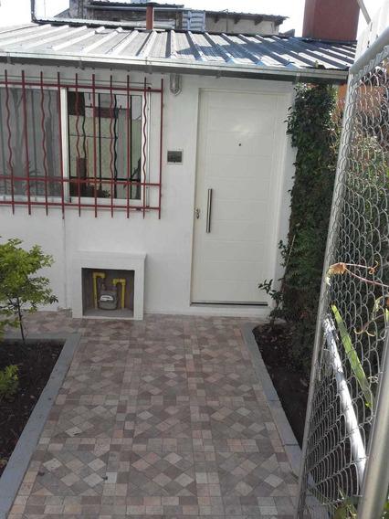 Habitacion Con Baño Y Kichinette , Amoblada En Florida,