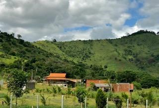 Chácara Ou Lotes Em São Fidélis Rj, Só 5km Do Centro