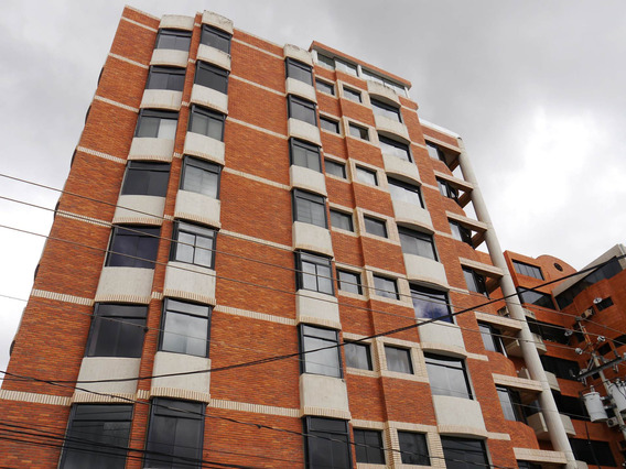 Apartamento En Alquiler En Este De Barquisimeto #21-13240