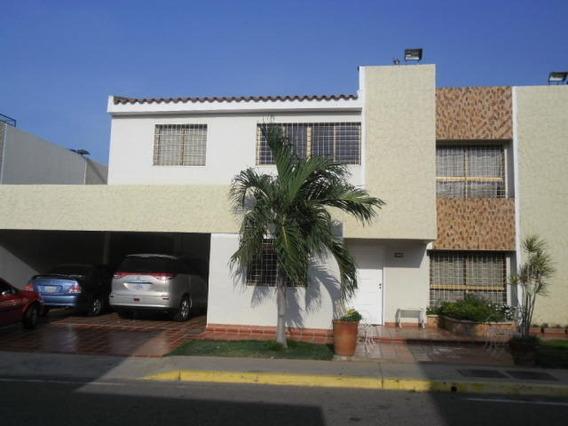 Casa En Venta. Doral Norte. Mls 20-15822. Adl.