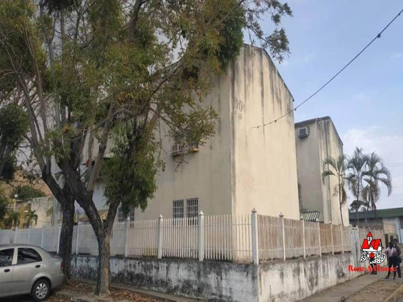 Apartamento En El Paseo El Limon Cod-20-381 Lav