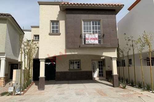Bella Y Amplia Casas En Residencial Bugambilias