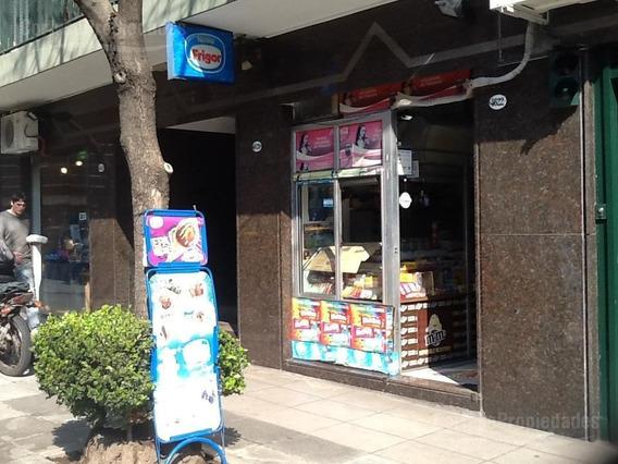 Local Comercial Rodeados De Nuevas Torres, Alta Densidad Poblacion