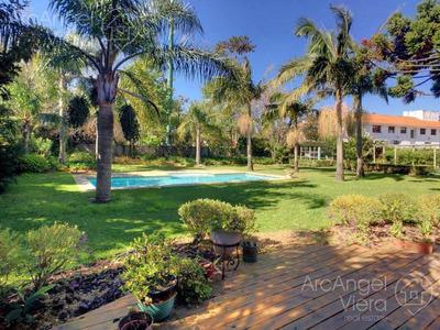 Casa Con Piscina En Alquiler, 5 Dormitorios , Con Vista Al Mar, En Venta , Playa Mansa, Punta Del Este