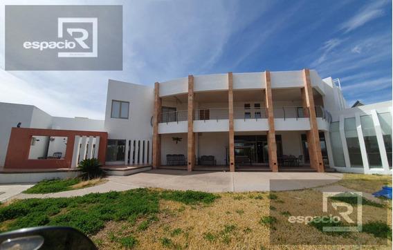 Moderna Casa En Venta En Hacienda Santa Fe