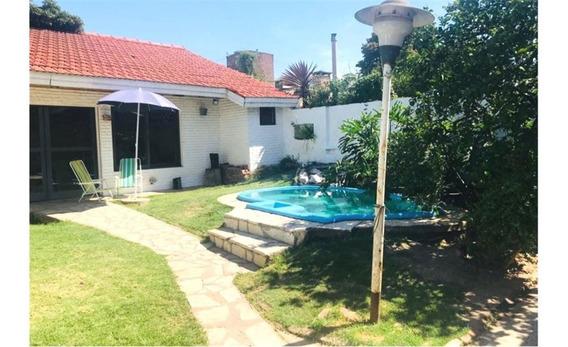 Casa Con Quincho, Pileta Y F. Libre.acepta Permuta