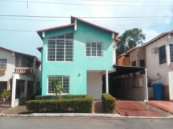 Casa En Alquiler Brisas Del Aeropuerto Urb. Villas Del Este