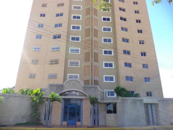 Apartamento Amoblado En Alquiler, Las Mercedes,20-2092 Em