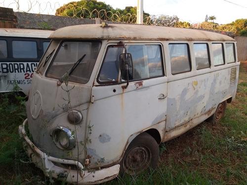 Volkswagen Kombi Samba Coruja