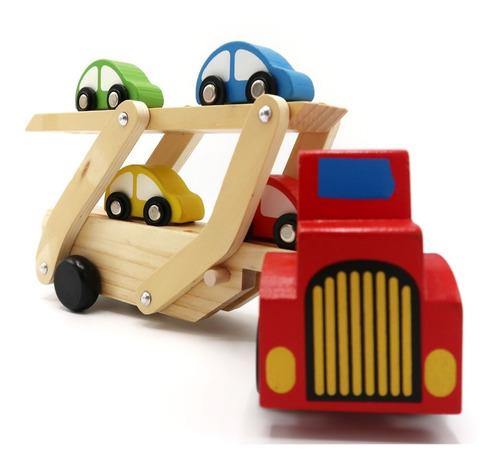 Camión De Madera Lleva Autos