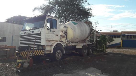 Scania 113e Betoneira