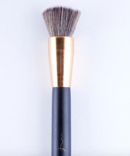Imagen 1 de 3 de Brocha Kabuki Plana Yx1454