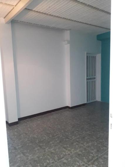 Apartamento Tipo Estudio En Alquiler La Cooperativa