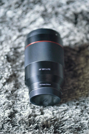 Lente Rokinon 35mm 1.4 Af Para Sony E-mount