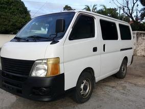 Vendo Nissan Caravan 2010 Automática Diesel