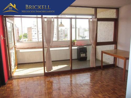 Apartamentos Venta 2 Dormitorios Cochera Pocitos Cerca Mar