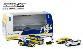 Greenlight 1:64 Multi-car Dioramas - Michelin Central 4 Piez