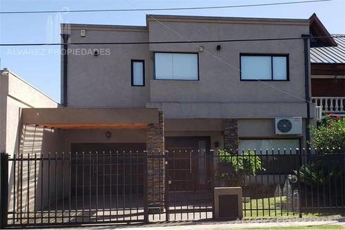 Hermosa Casa Minimalista - Castelar Norte