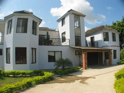 Hacienda Con Residencia, Piscina Y Rancho De Eventos(no27285