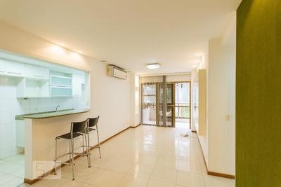 Apartamento No 1º Andar Com 2 Dormitórios E 1 Garagem - Id: 892930685 - 230685