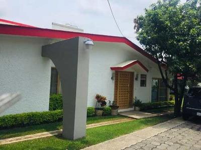 Venta De Casa En Fracc Lomas De Cocoyoc Mor.