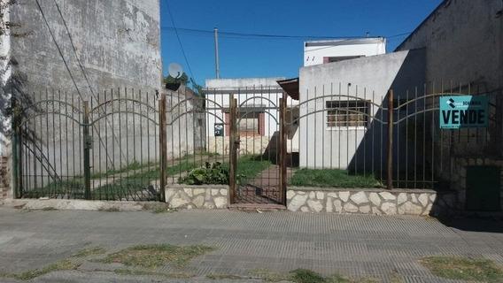Casa Céntrica En Punta Alta, Amplia, Vendo O Permuto.