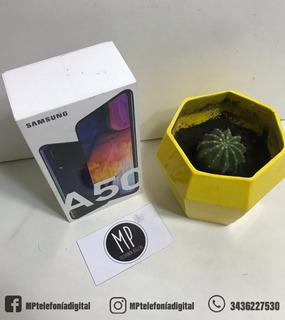 Samsung A50 - 4ram - 64gb - 25+5+8mp - Liberado - Negro