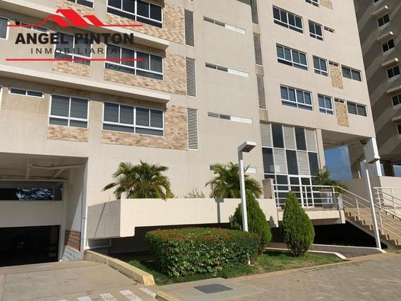 Apartamento En Alquiler El Milagro Maracaibo Api 4906 Lb