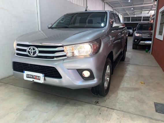 Toyota Hilux Srv Pack (cuero) 4x2 2.8 Tdi 6 M/t 2017