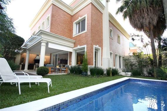 Ampla Casa De Condomínio Com Piscina - 375-im399974