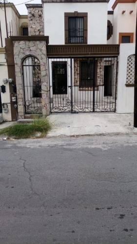 Casa Renta En Valle De Huinala, Apodaca, Nl.
