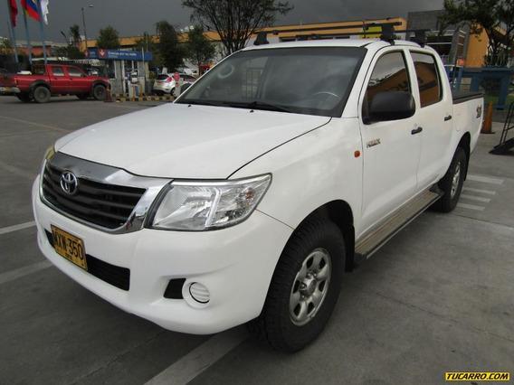 Toyota Hilux Mt 2494
