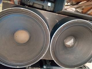 Parlantes Oversound 18 Pulgadas 600 Watts, Precio Por Par