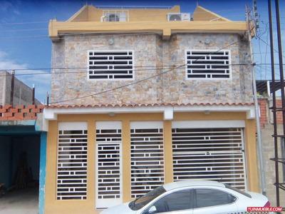 Hermosa Casa De 4 Pisos En Urb. Villa Victoria Iv Av. Aragua