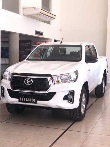 Toyota Hilux Sr 4x2  M/t Abril 2021