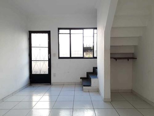 Casa Geminada Com 2 Quartos Para Comprar No Heliópolis Em Belo Horizonte/mg - 1566
