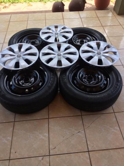 Llantas Con Aro R15 Con Tapas Toyota Yaris