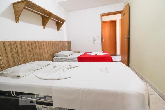 Studio No 1º Andar Com 1 Dormitório E 1 Garagem - Id: 892948480 - 248480