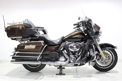 Harley Davidson Electra Glide Ultra Limited 2013 Dourada