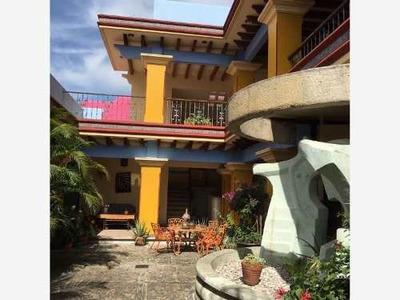 Casa Sola En Venta Barrio De Jalatlaco