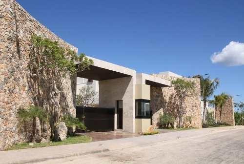 Privada De 18 Casas En Zona Norte Temozon !!!!