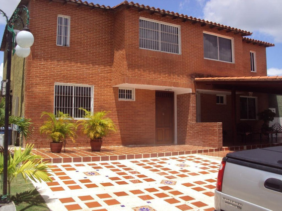 Townhouse En Urb Villas Morichal Maturin, Venezuela.