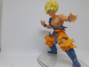 Boneco De Ação Goku Super Saiyajin.(são Dois Pelo Preço)