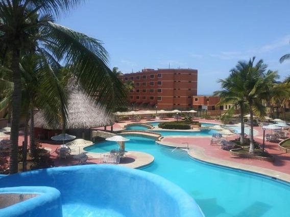 Apartamento En Venta Tucacas 20-677 Mz