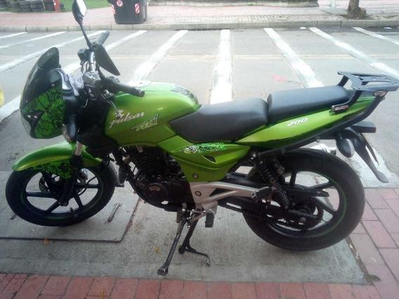 Moto Bajaj Pulsar 200