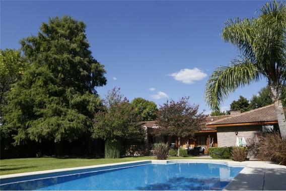 Casa En Venta 5 Domitorios Gonnet Parque Pileta