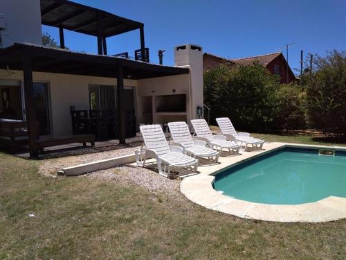 Excelente Oportunidad En Manantiales, Venta De Casa De 3 Dormitorios Y Tres Baños- Ref: 211128