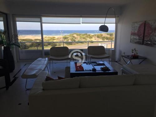 Penthouse En Playa Brava En Alquiler- Ref: 3262