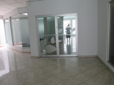 Oficina Comercial 95m2 Calle 50, Alquiler Mensual $ 1,00.00