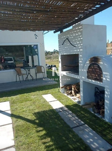 Hermosa Casa En Venta.- Ref: 3392
